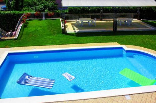 Foresteria White House piscina